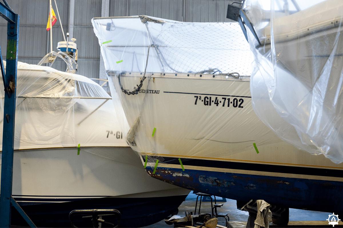 Barcos en invernaje en Gijón