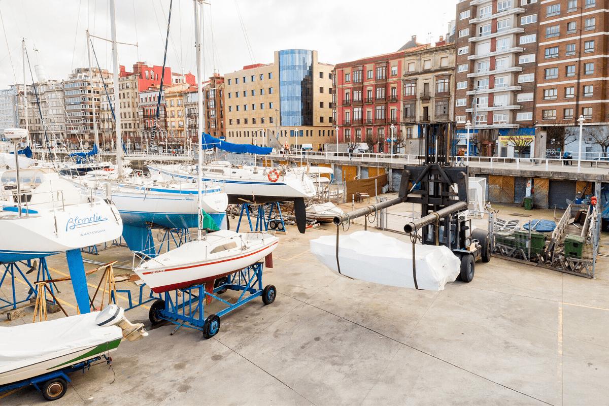 Dique Seco del puerto deportivo de Gijón