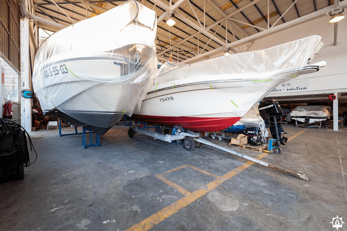 Nave interior para barcos en invernaje