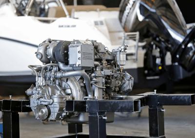 Reparación y limpieza de motores marinos