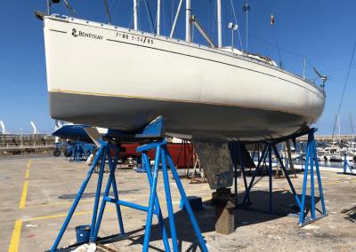 Reparación y pintura de embarcación