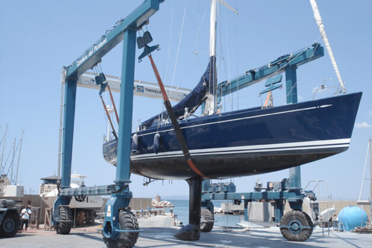 Servicio de grúa marítima