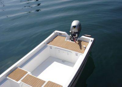 Bote de pesca fabricado