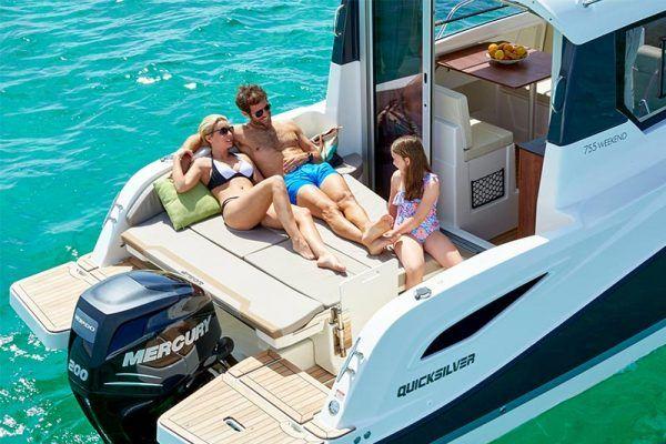 barco familiar Quicksilver 755 weekend para pesca