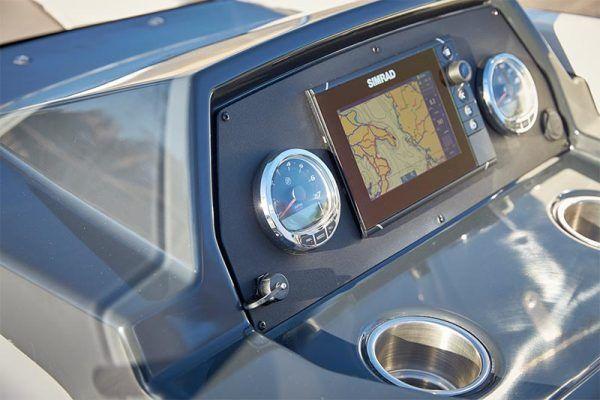 mandos embarcación Quicksilver 675 sundeck para pesca