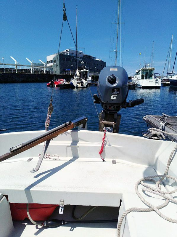 Barco Velero Ocasion Asturias 6 metros motor fueraborda